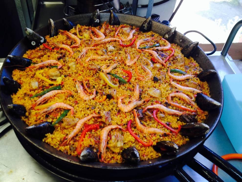 La selecta domingos culturales con paellas selectas - Paella de pescado ...